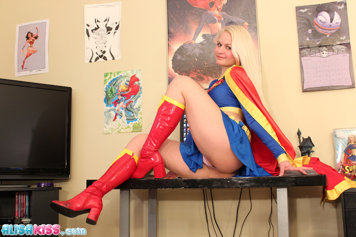 supergirl hard naked photo