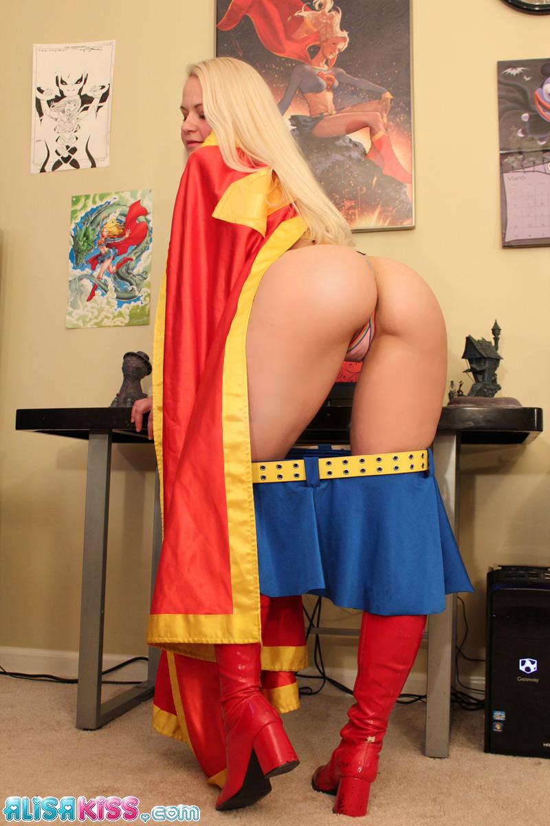 sexy nude supermen girls