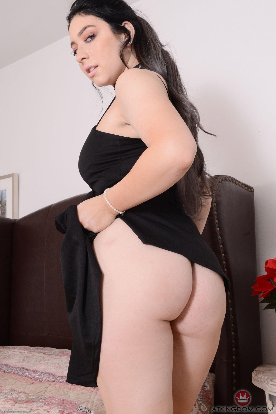 Amilia Onyx Black Dress Nude AMKingdom pics and vids ...