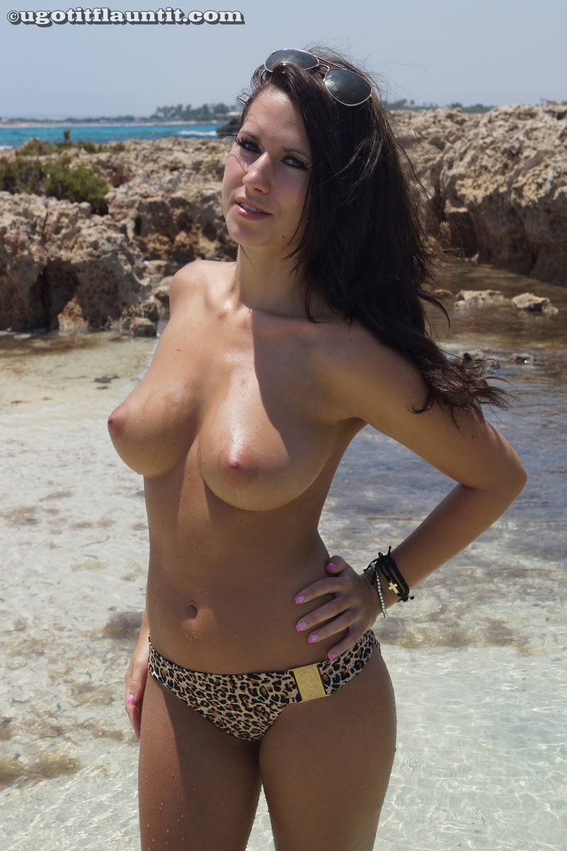 Spain voyeur beach busty enjoy - 1 4