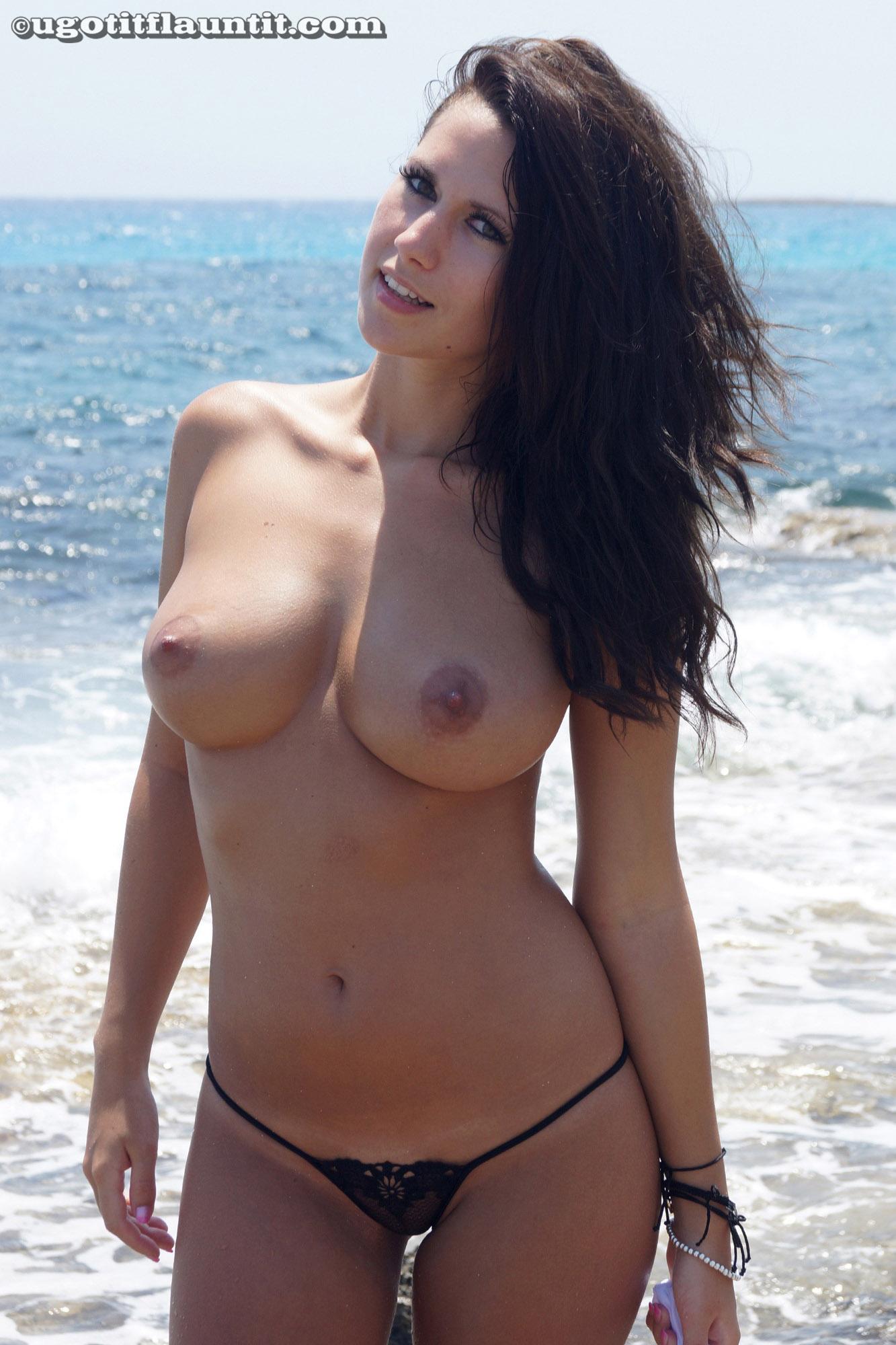Amy Topless Beach Flaunt-1639
