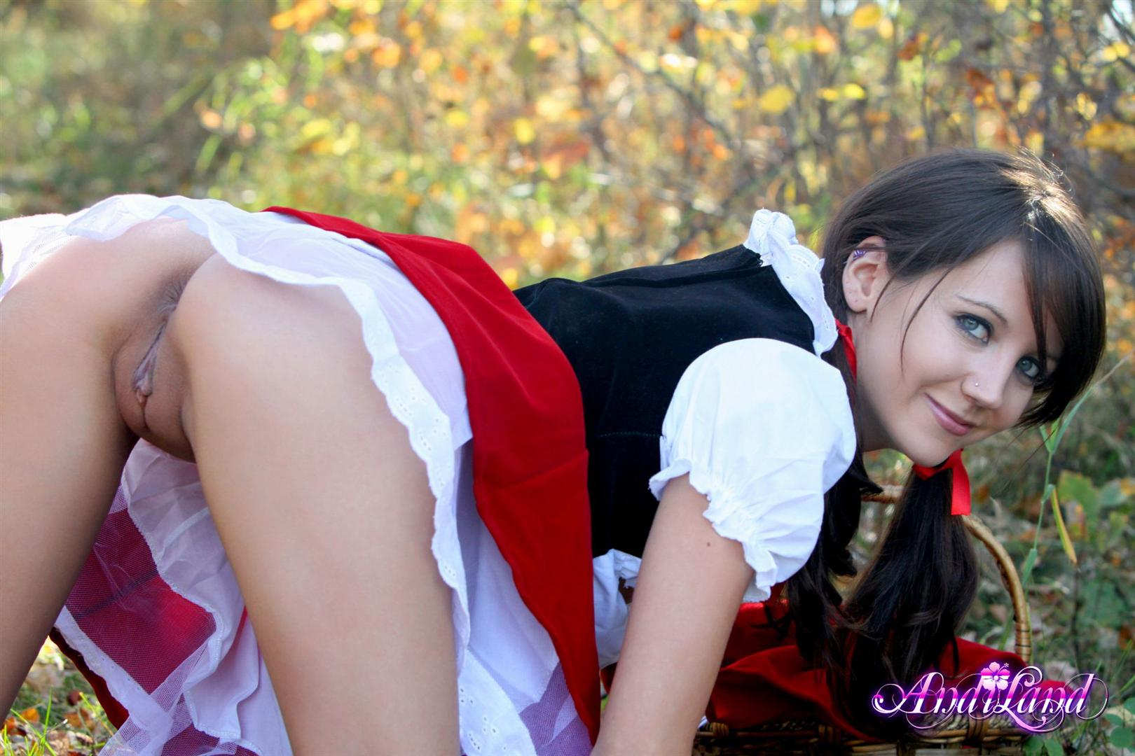 Sexy nude little red riding hood apologise