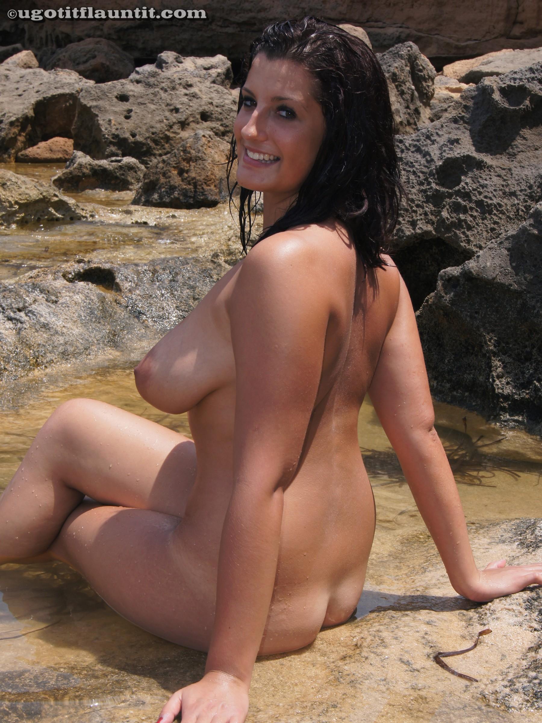 Смотреть показала огромную грудь 26 фотография