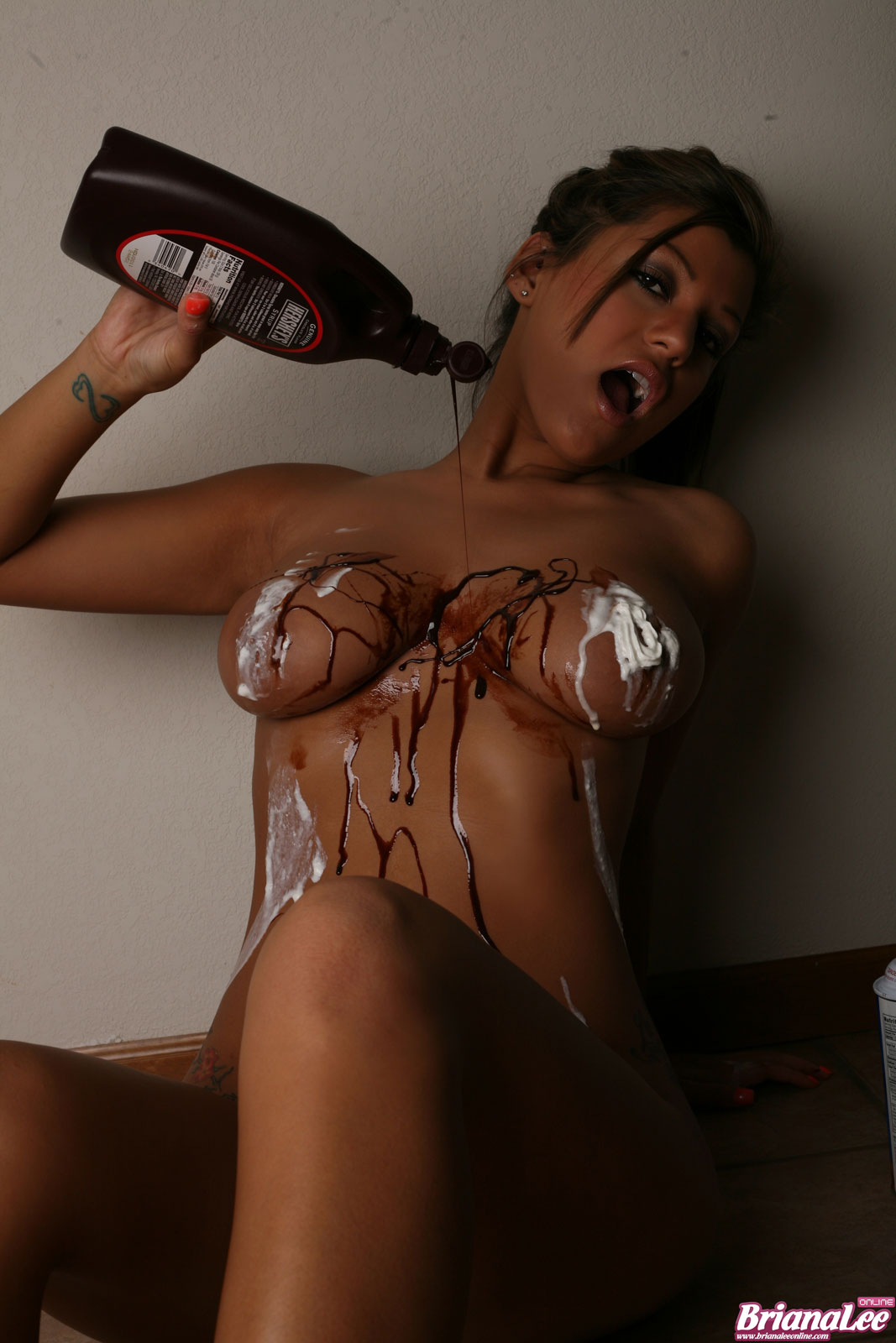 Порно всё в сперме и шоколаде фото 287-155