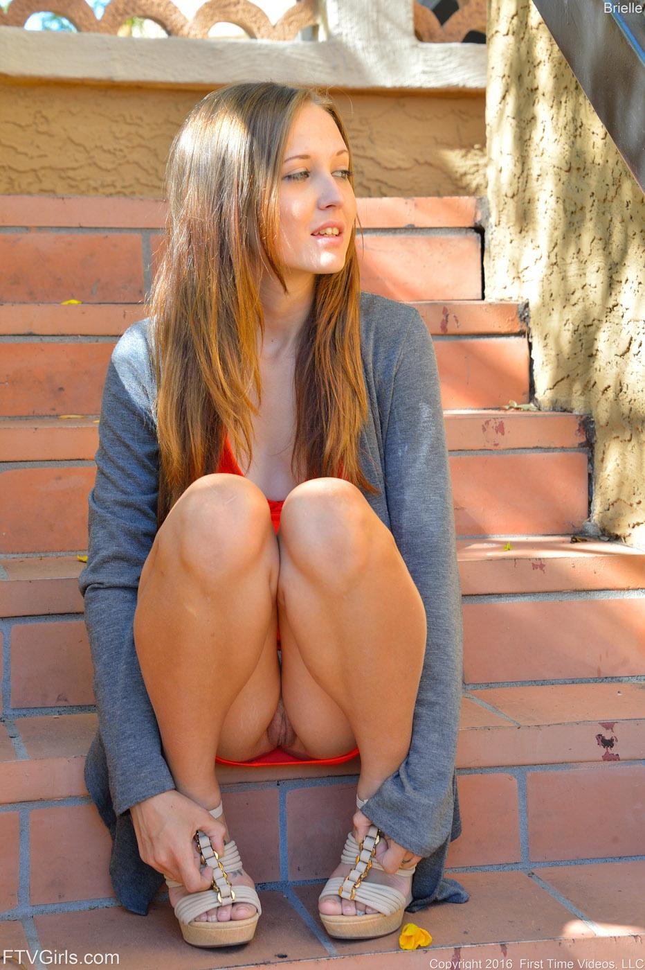 Upskirt frisky girls-8501