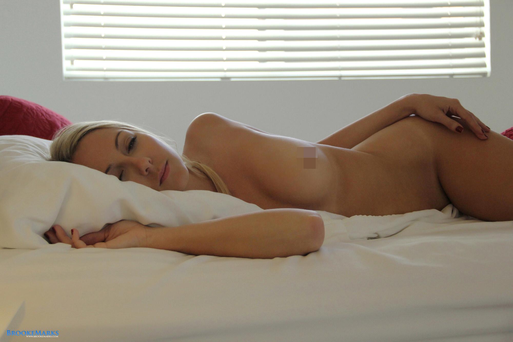 Brooke Marks Shaving Uncensored