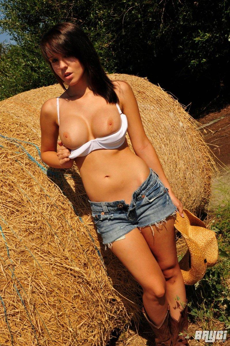 Bryci Farm Girl-7395