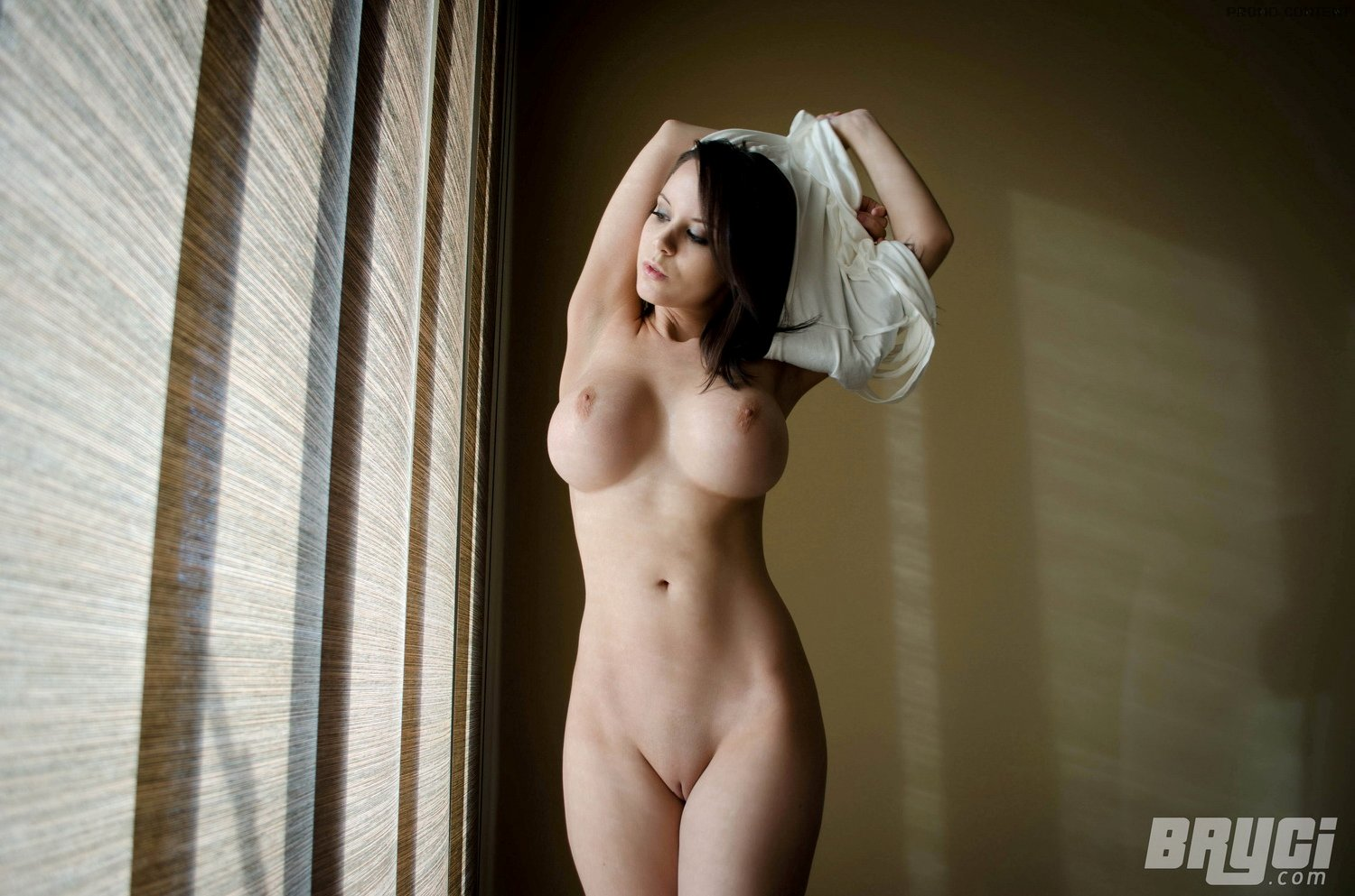 naked pictures of the girl from big bang theory