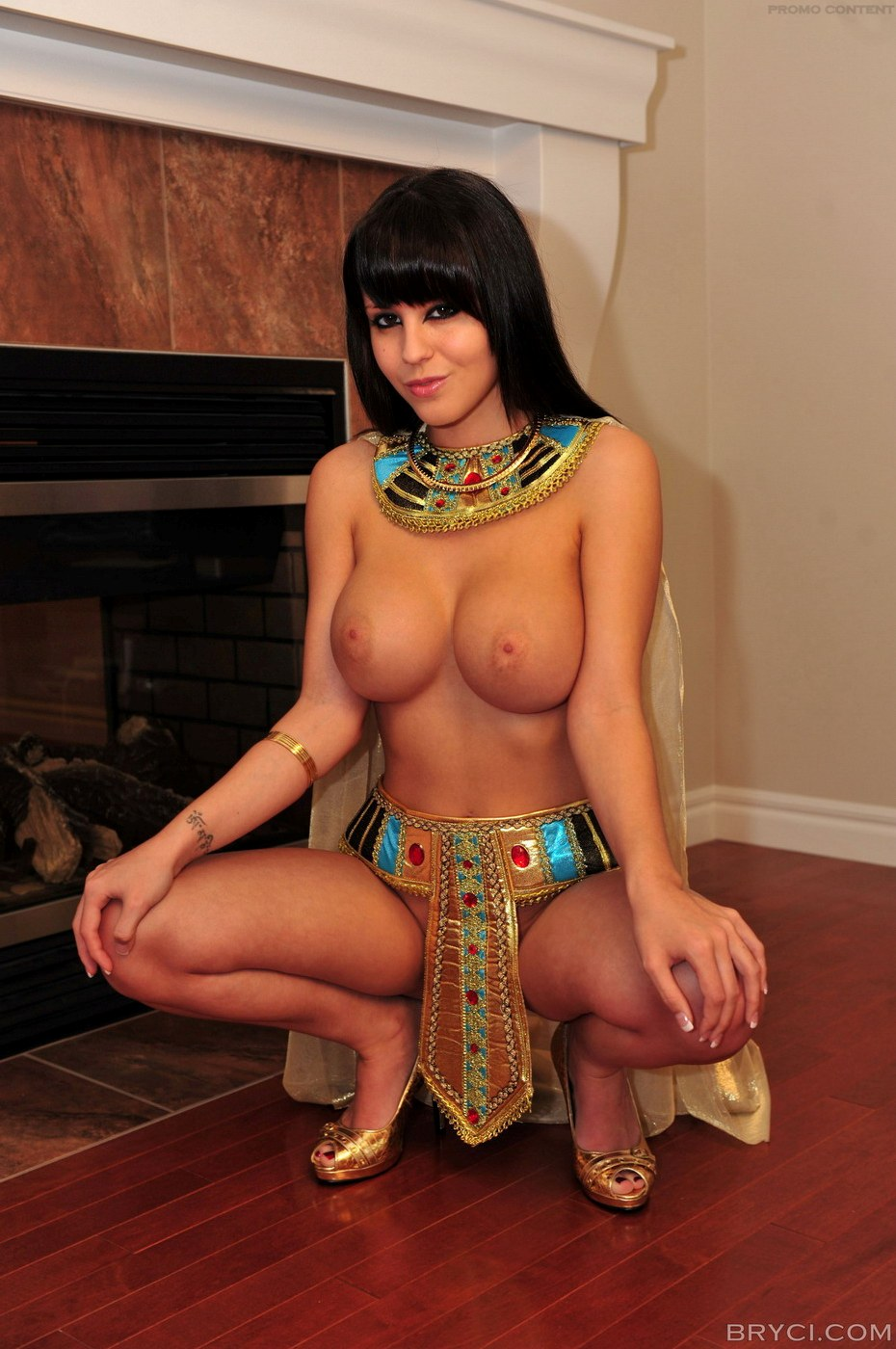 Have hit Cleopatra naked in movies phrase