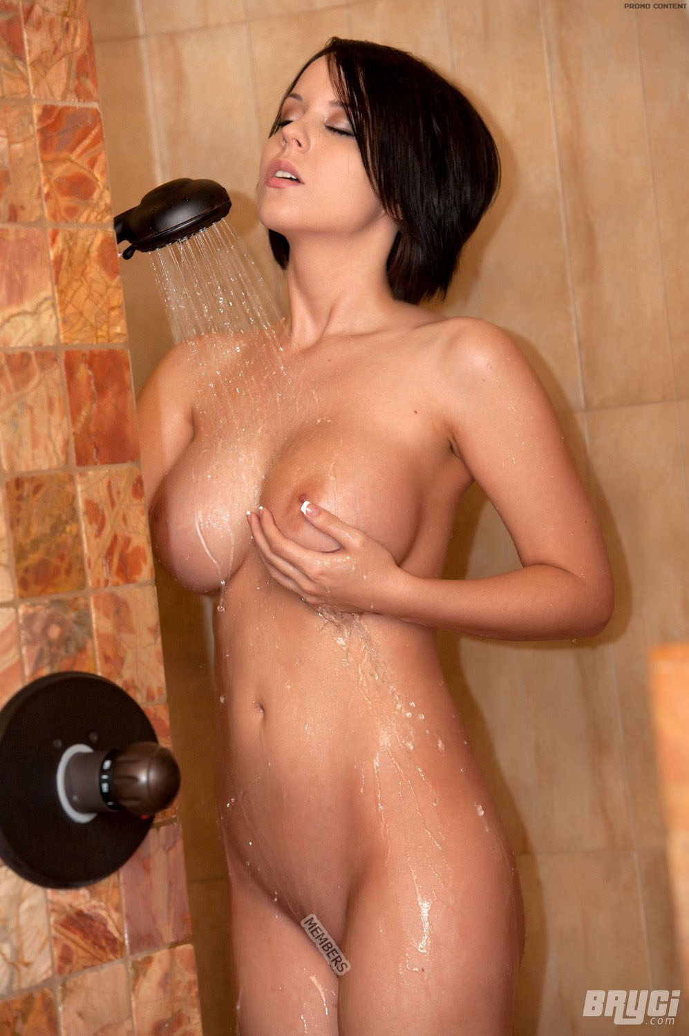 Pornstar big boobs shower can not