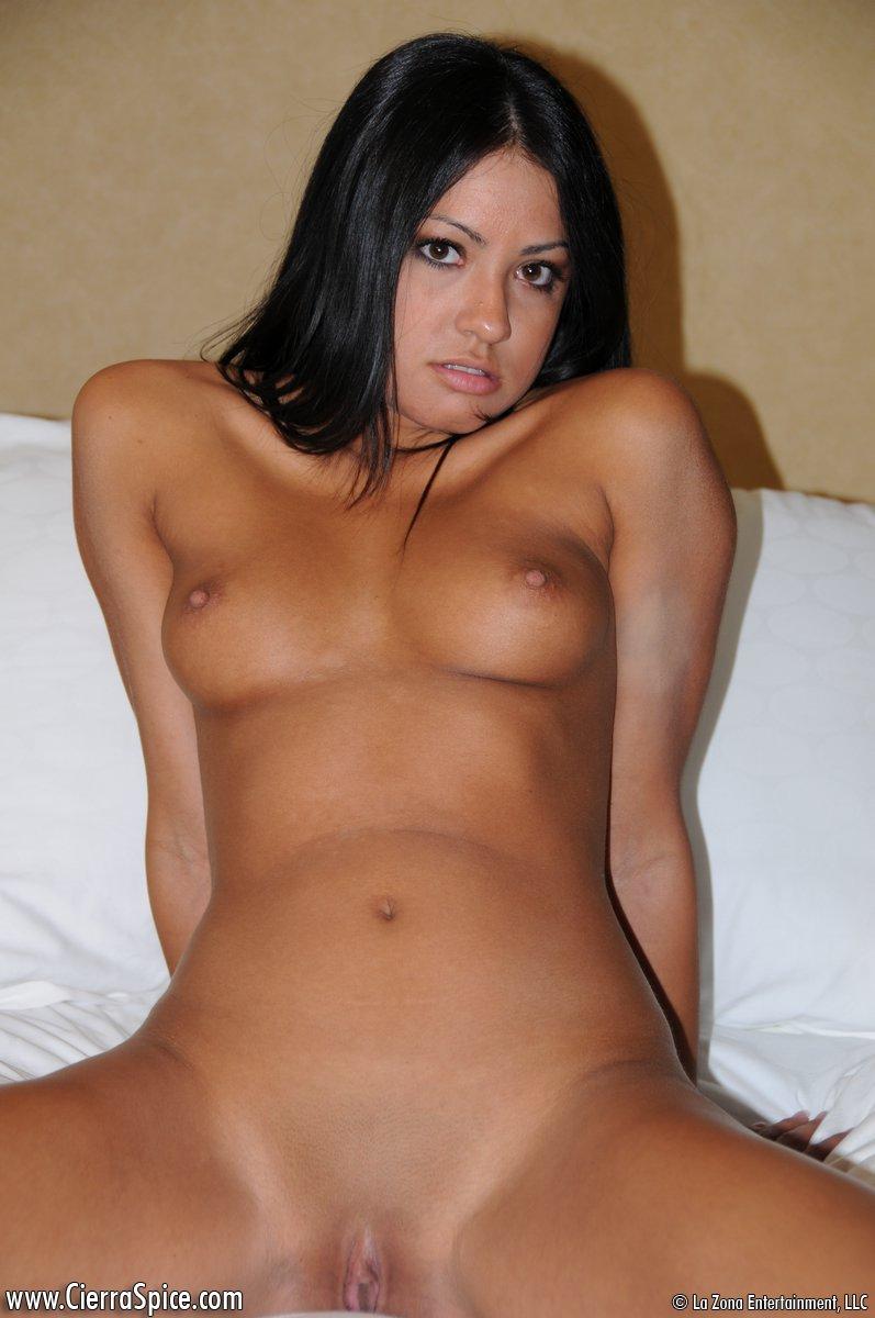 cierra spice nude pussy