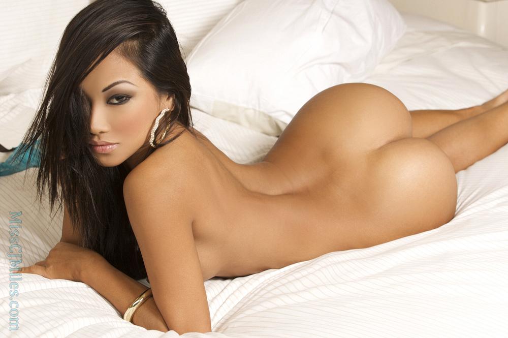 Perfect naked asian ass