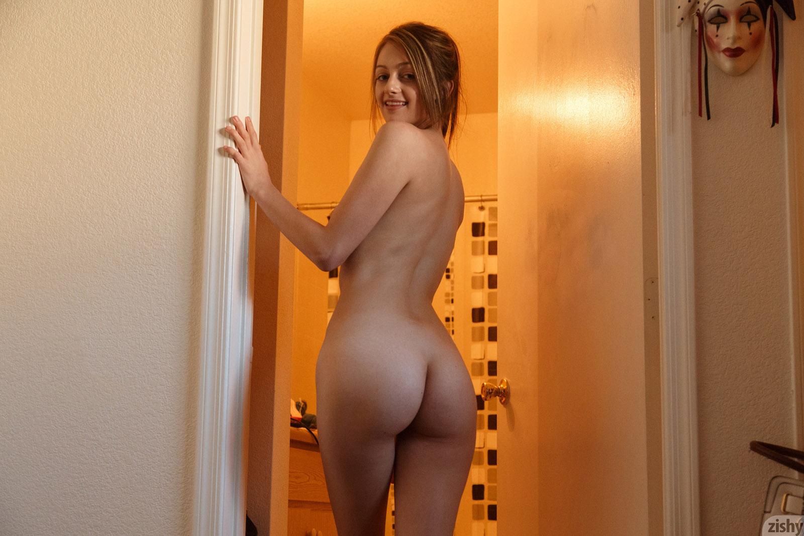 Dahlia Polk Small Town Girl Zishy nude pics - Bunnylust.com