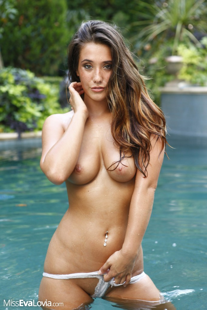 Excellent and Wet babes swimmung naked