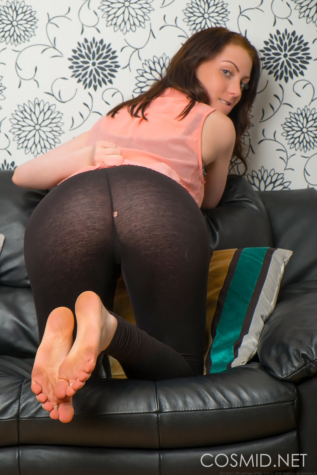 nude-girls-with-legging