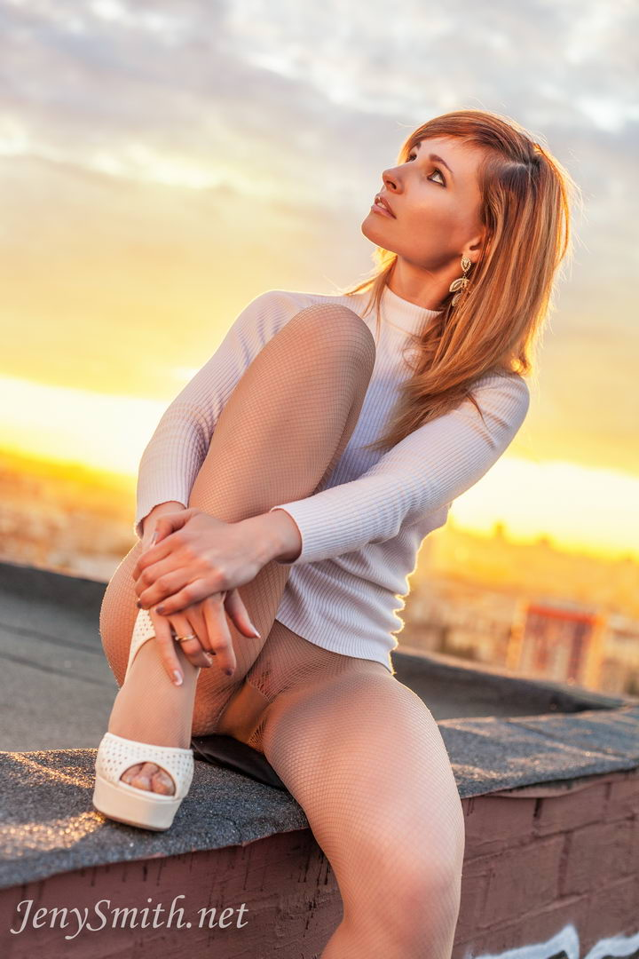 Jeny Smith Horny And Naked On The Roof Top - Bunnylustcom-6036