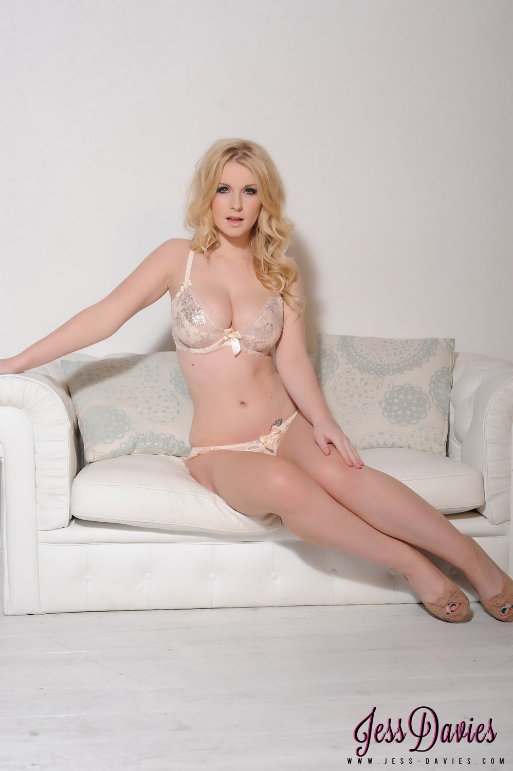 Erotica Jess Davies nude (37 photos), Sexy, Is a cute, Twitter, cleavage 2020