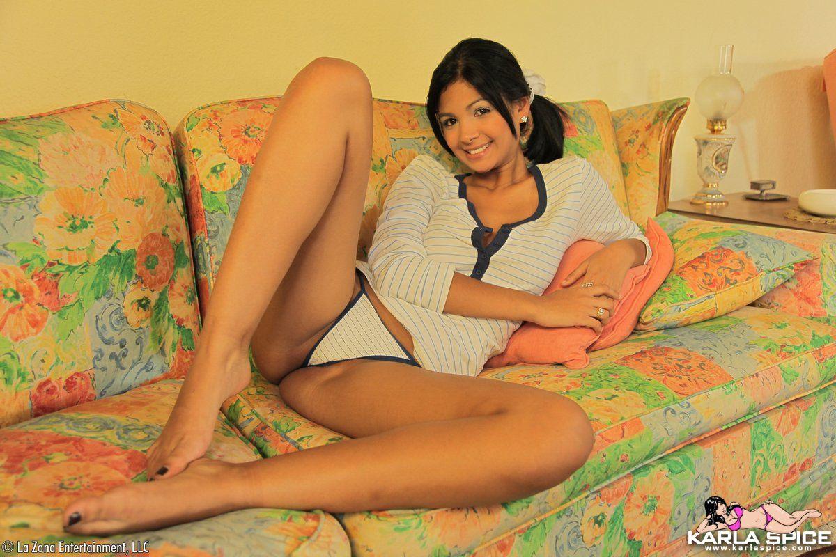 Little young girl nude photo