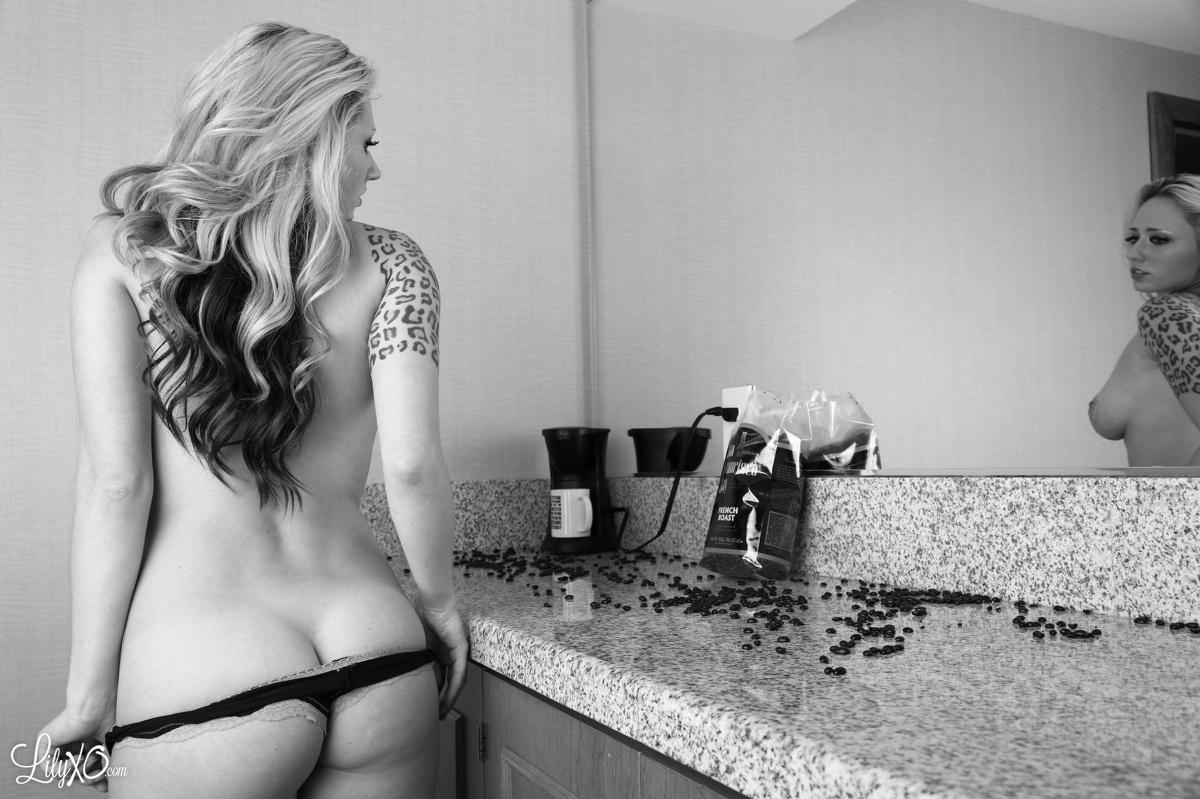 Sexy nackte Kaffeemädchen, Erwachsene Geschlechtsgruppe in Umapine Oregon