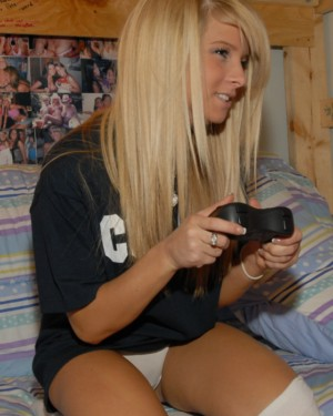 Apologise, Nude gamer girls pussy shots