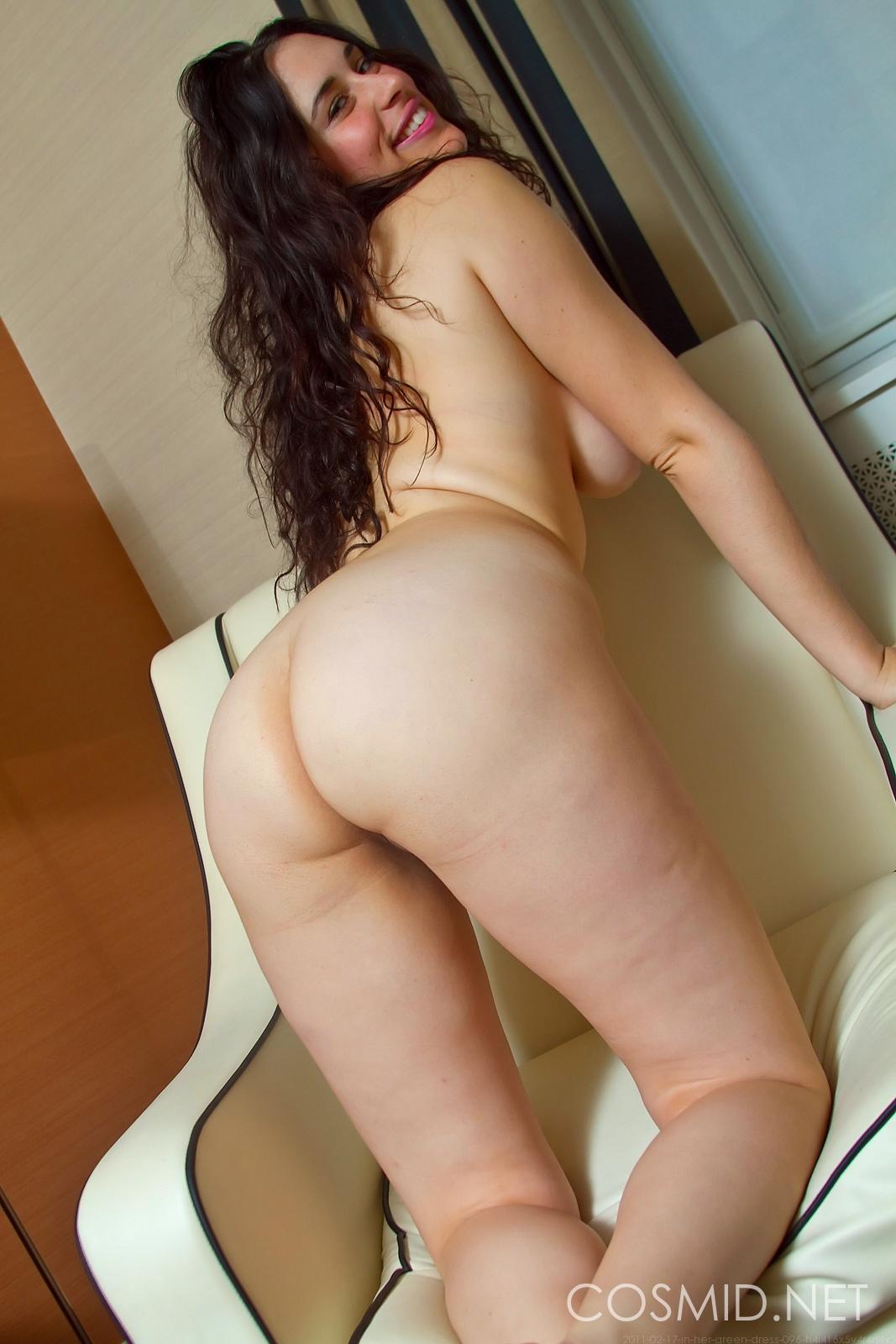 Hairy australian brunette babes lick pubes