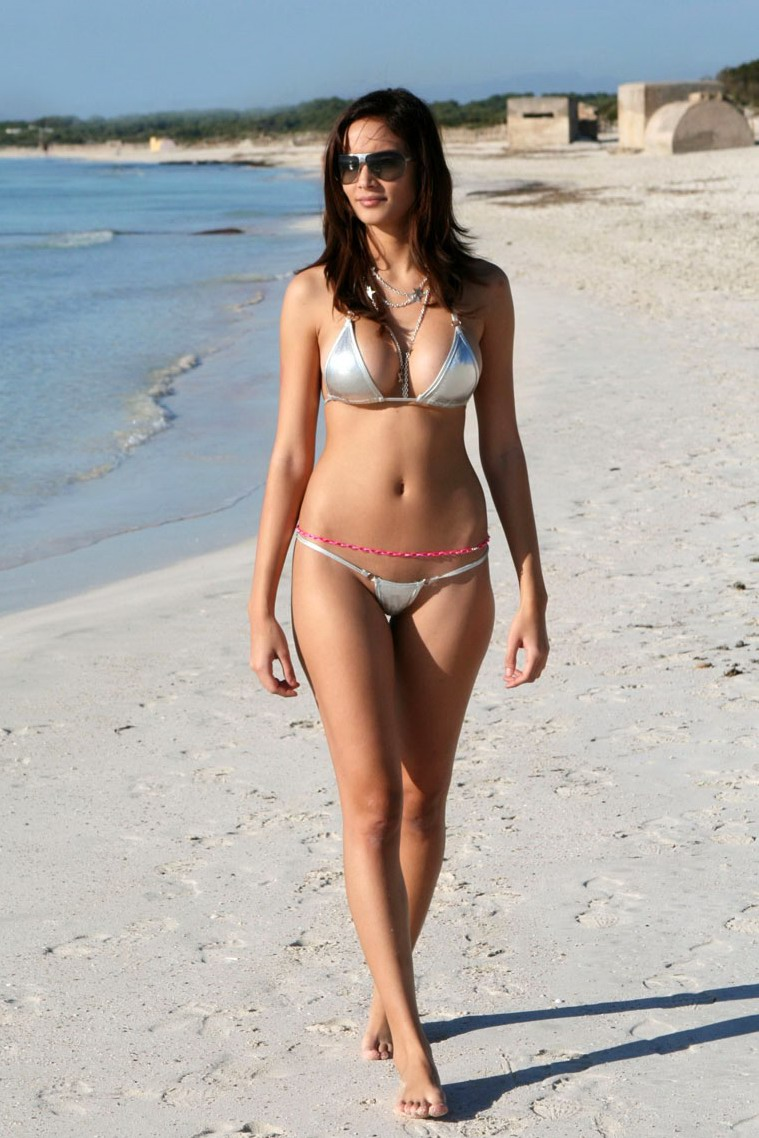 Melody bikini heat