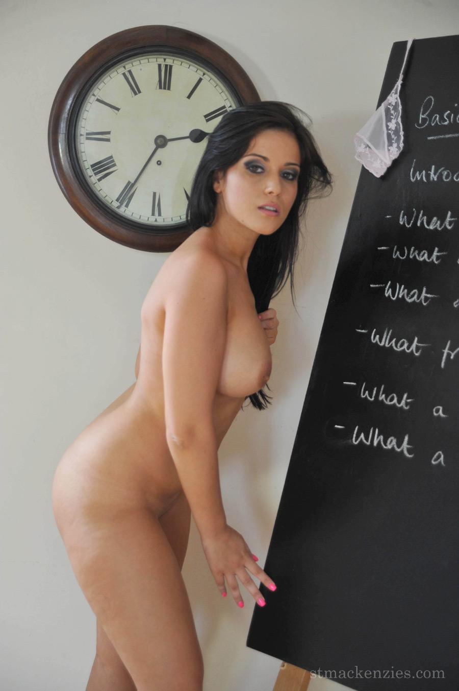 Сексуальная грудастая училка 9 фотография