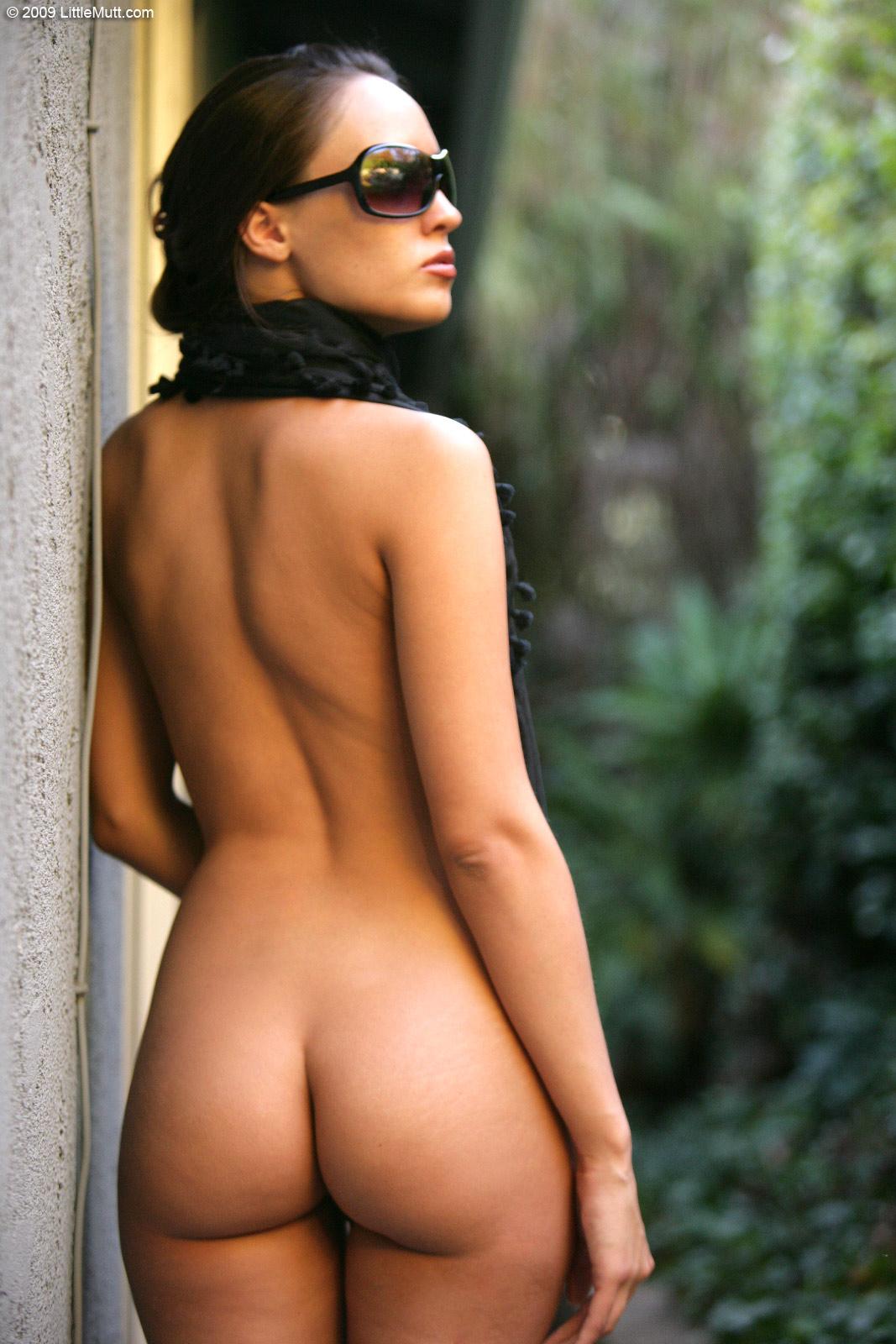 Nadia aria nude