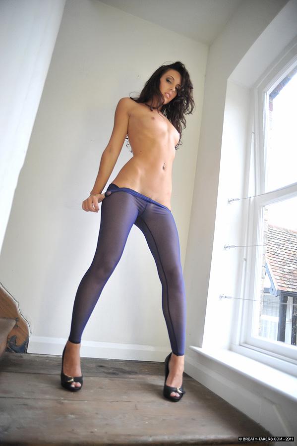 эротические фото девушек в легинсах