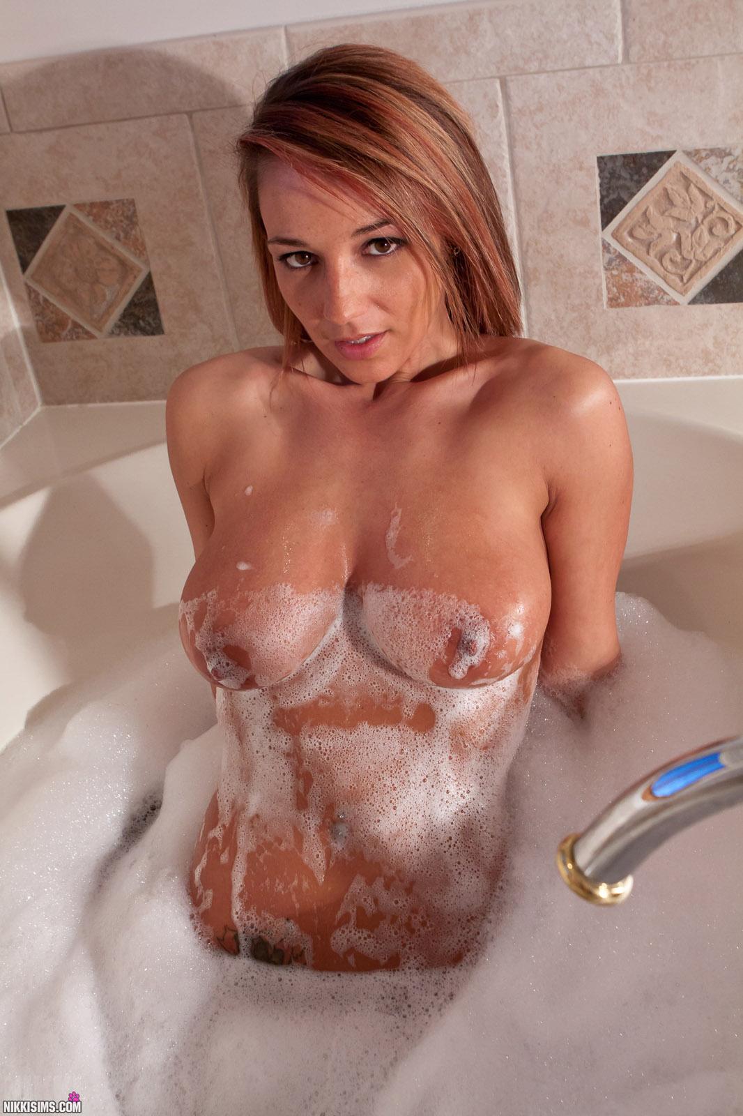 nikki sims bubble bath