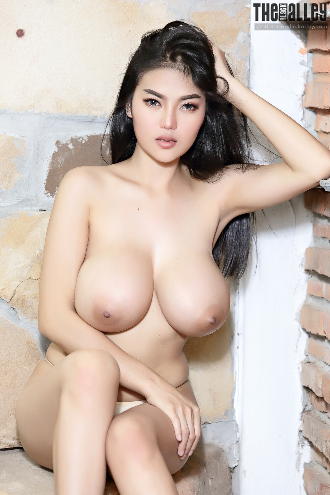 busty asian nude pics