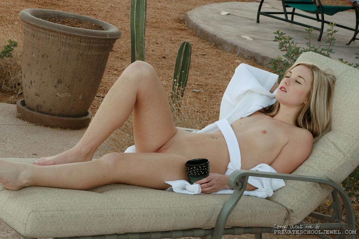 Nude beach voyeur shoots nudist hotties 8