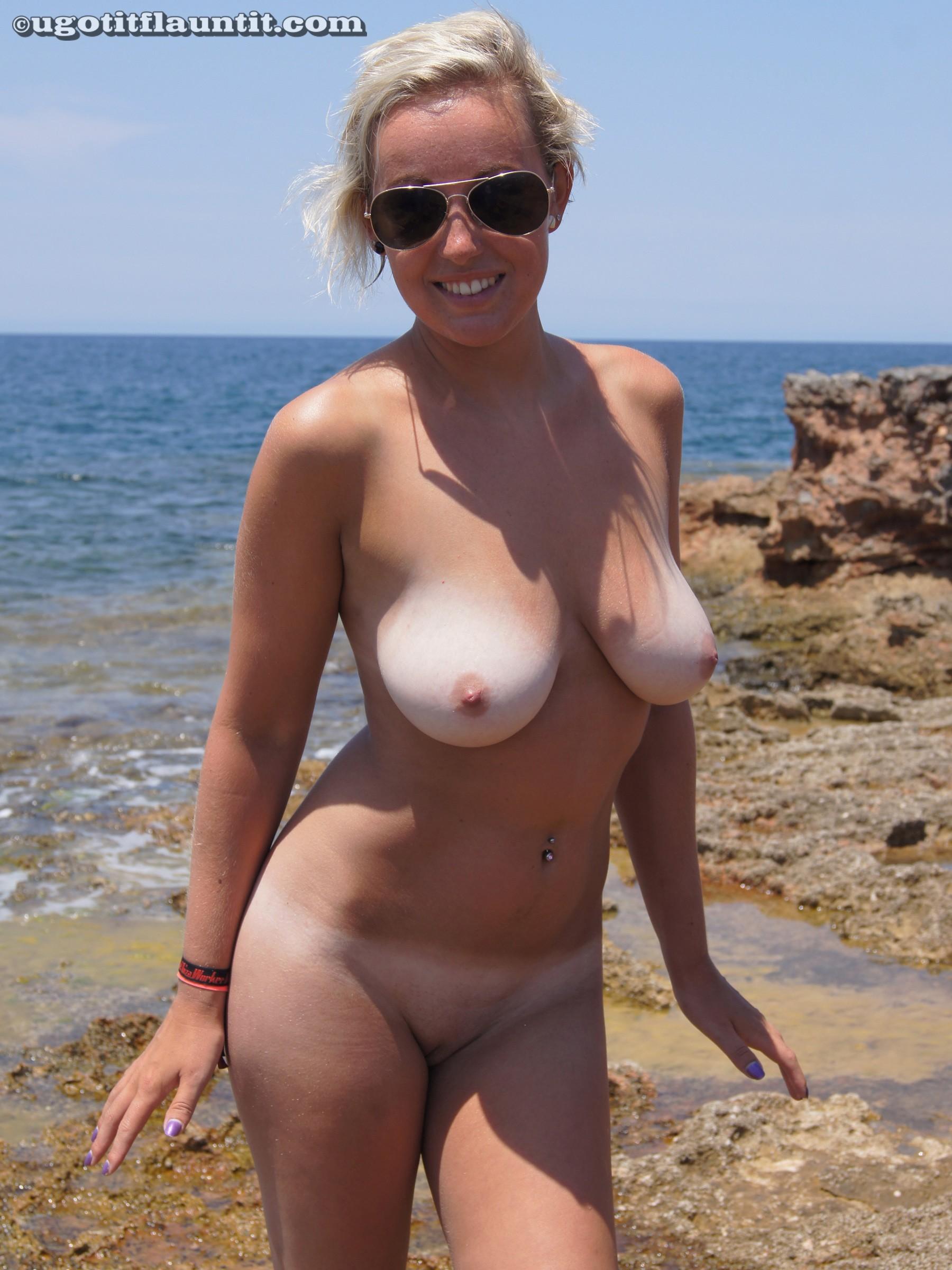 Фото голых женщин на пляже