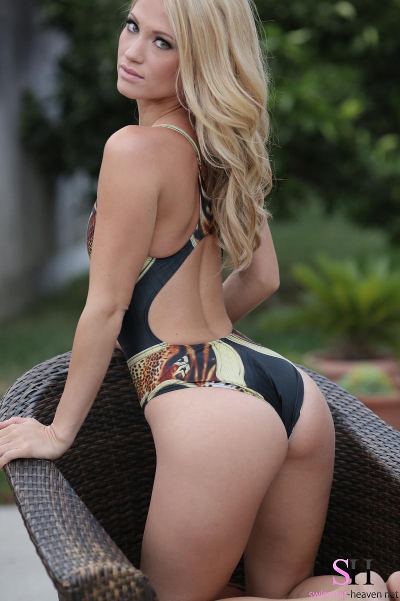 Tight Bikini Butt 70