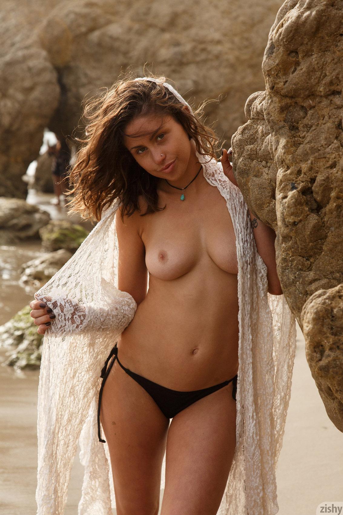 Angela Bassett Ancensored sonya cassidy actress hot -