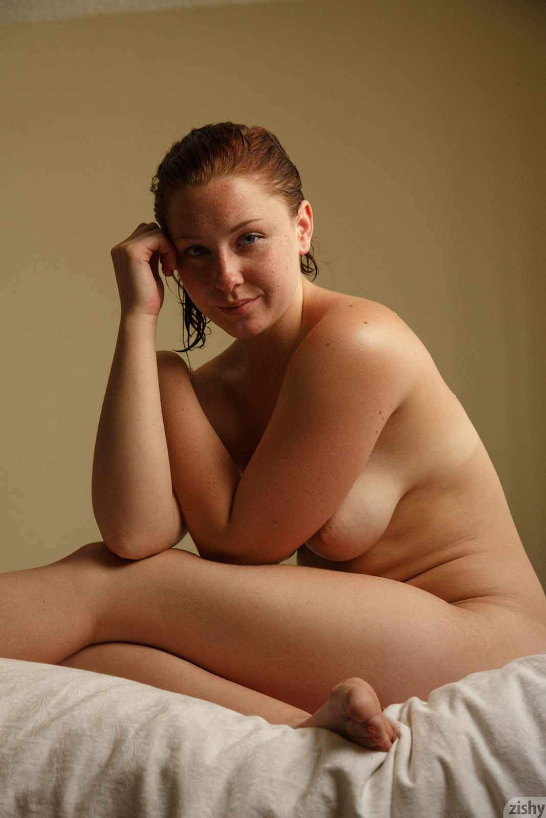 thick and beautiful nude women