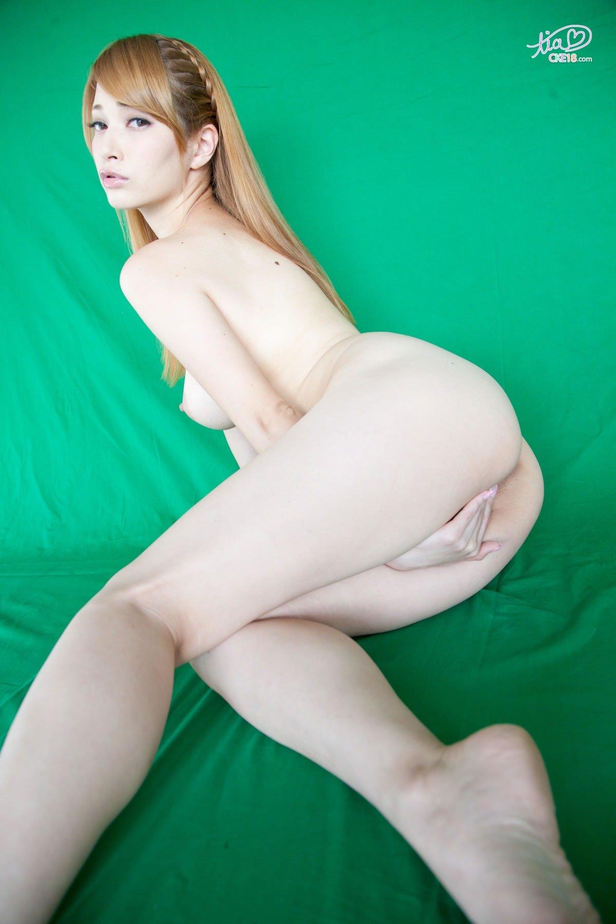 Chinese girl fucking woman