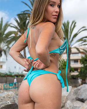 Aisha Exotic Real Bikini Girls