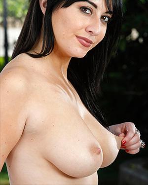 Allesandra Snow Nudism AMKingdom