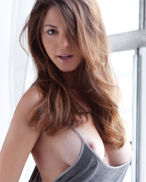 Naked amber sym Amber Sym