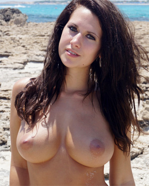 Amy Wonderful Beach Boobs