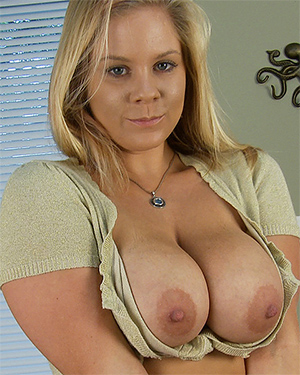 Anabelle Pync Candy Girl Video