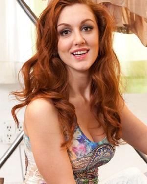 Anais Alexandra Busty Redhead