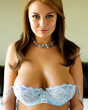 Anastasia Christen A Busty Brunette You Wont Forget