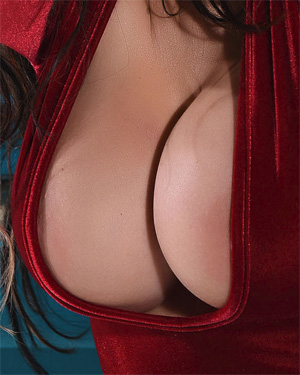 Ann Denise Red Hot Cleavage
