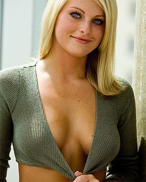 Arkya Lynne Perfect Blonde Babe