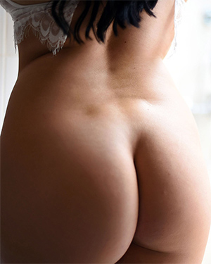 Ashleigh Gee Naked For The First Time