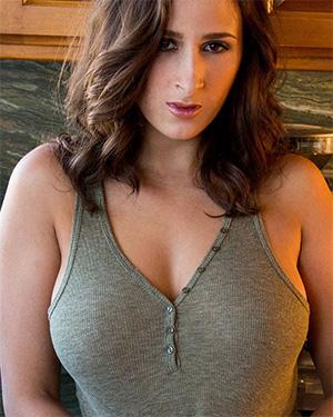 Ashley Adams Hot and Busty Mamasita