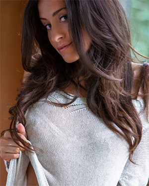 Aurora Maria Perfect Latina Playmate