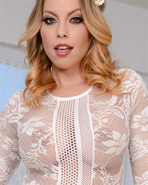 Britney Amber Special Massage Session